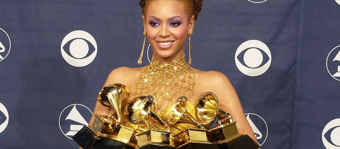 beyonce-the-46th-annual-grammy-awards-press-room